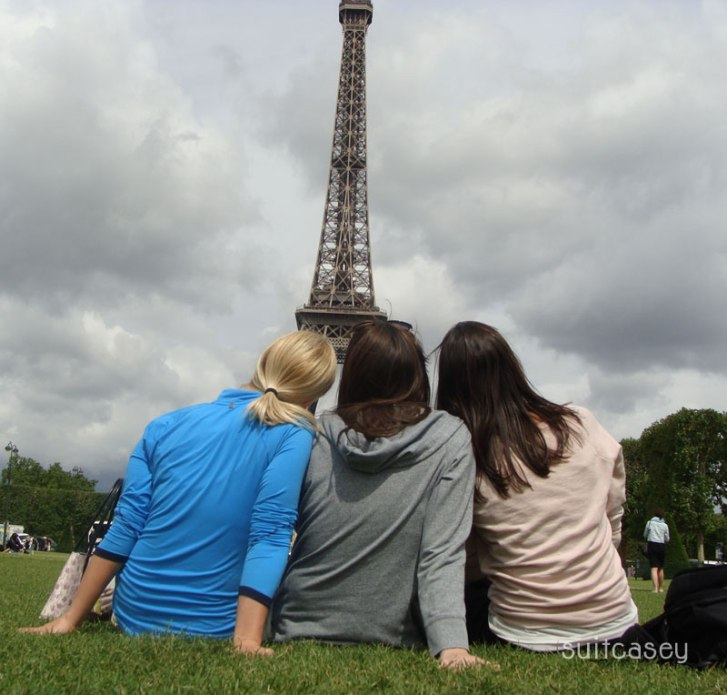 best-friends-in-paris
