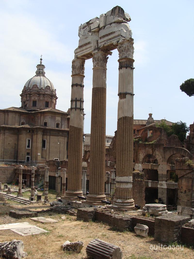 Rome-Italy-Suitcasey